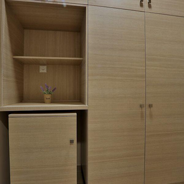 hotel-dionisos-wardrobe